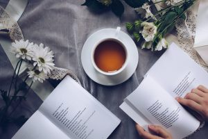 Lesenachmittag mit gemütlichen Kaffeetrinken